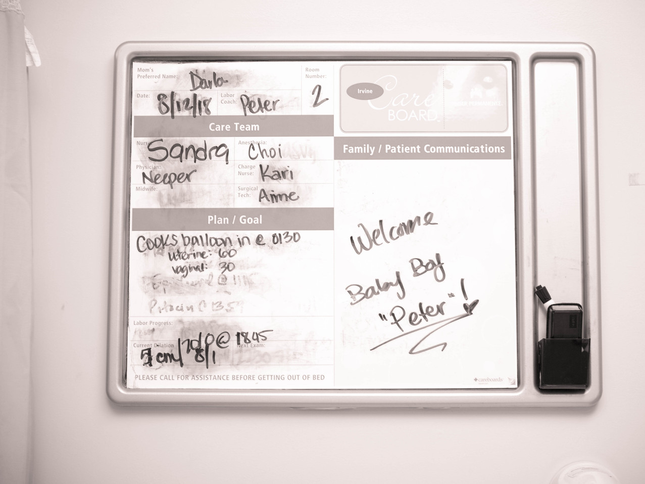 Nurses board at Kaiser Irvine-Bug and roo photography-Birth Photographer-Orange County