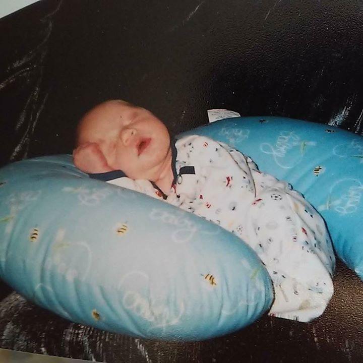 newborn baby sleeping on boppy-Bug and Roo Photography-Costa Mesa-lifestyle newborn photographer