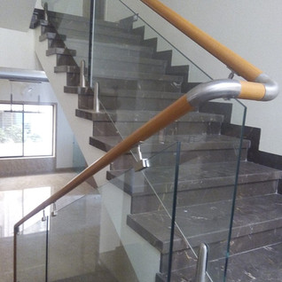 wooden-handrail-with-glass-railing.jpg