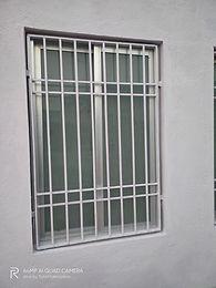 4×3 Aluminium window with iron grill