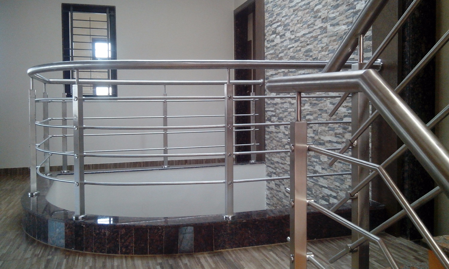 stainless-steel-railing-for-stairs