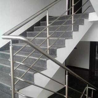 simple-staircase-steel-railing.jpg