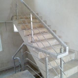 square-steel-pipe-railing.jpg