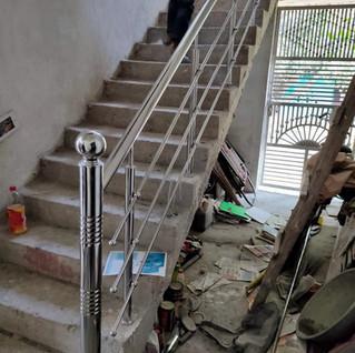 सरल-हू-सीढ़ी-रेलिंग.jpg