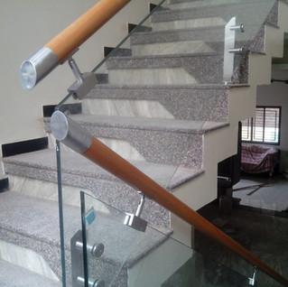 आंतरिक-सीढ़ियाँ-रेलिंग-for-home.jpg