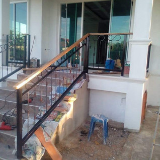 मन-सीढ़ी-railing.jpg