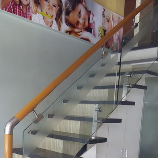 wooden-handrail-with-glass.jpg