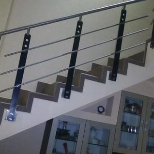 iron-steel-stairs-railings.jpg