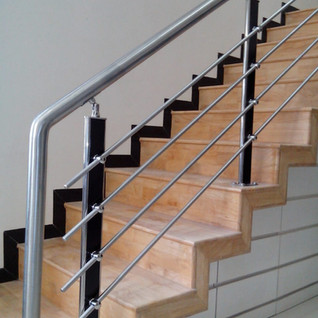 wooden-stair-best-railing-designs.jpg