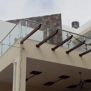 tarece-balcony-glass-railing.jpg