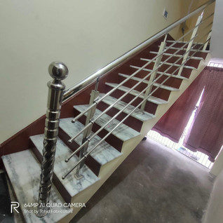 stainless-steel-railing-with-masterpilla