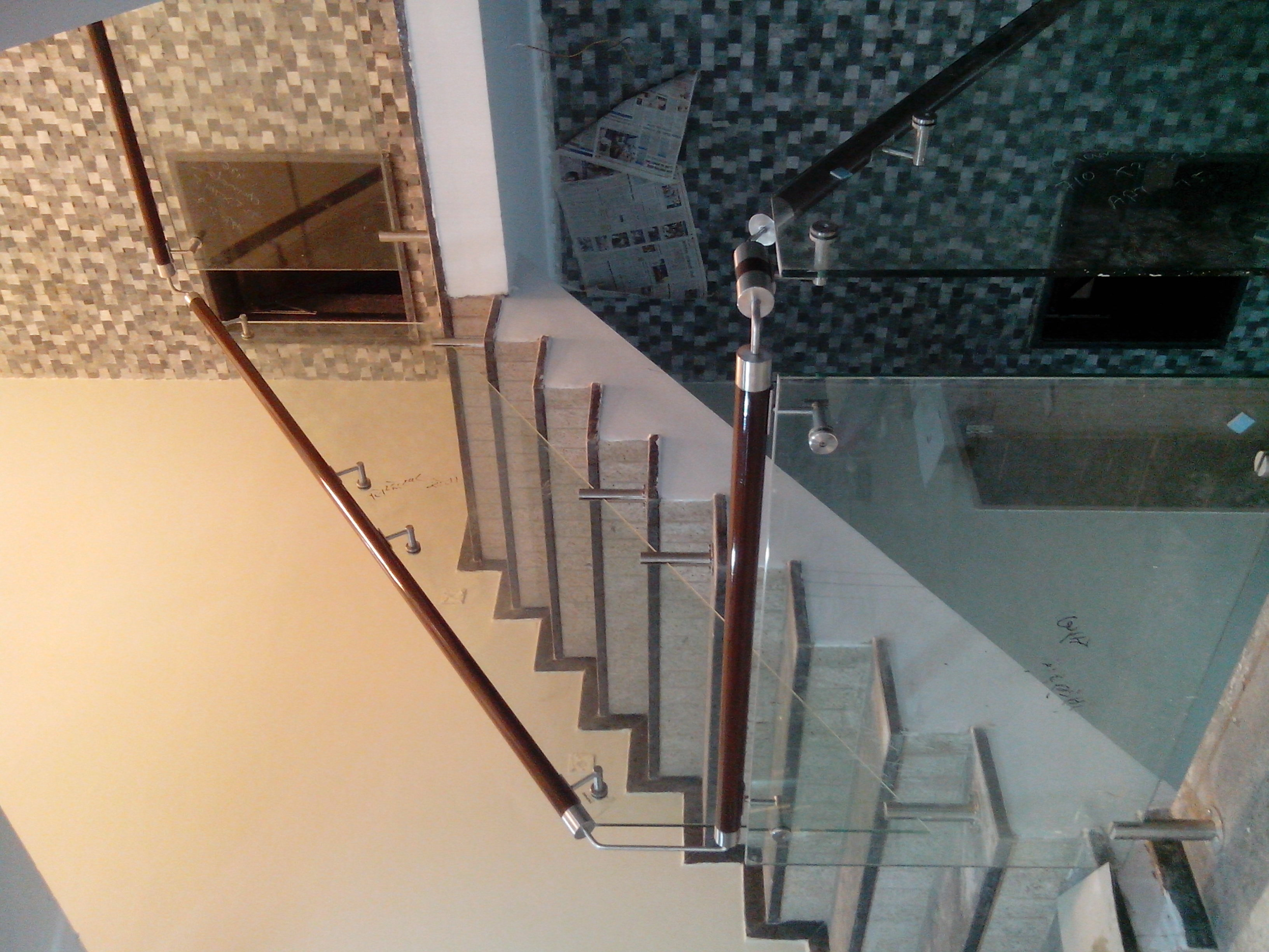 Modern-glass-railing-design2019