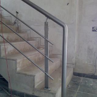 square-baluster-railing-designs.jpg