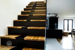 Habillage d'escalier NOYER MASSIF