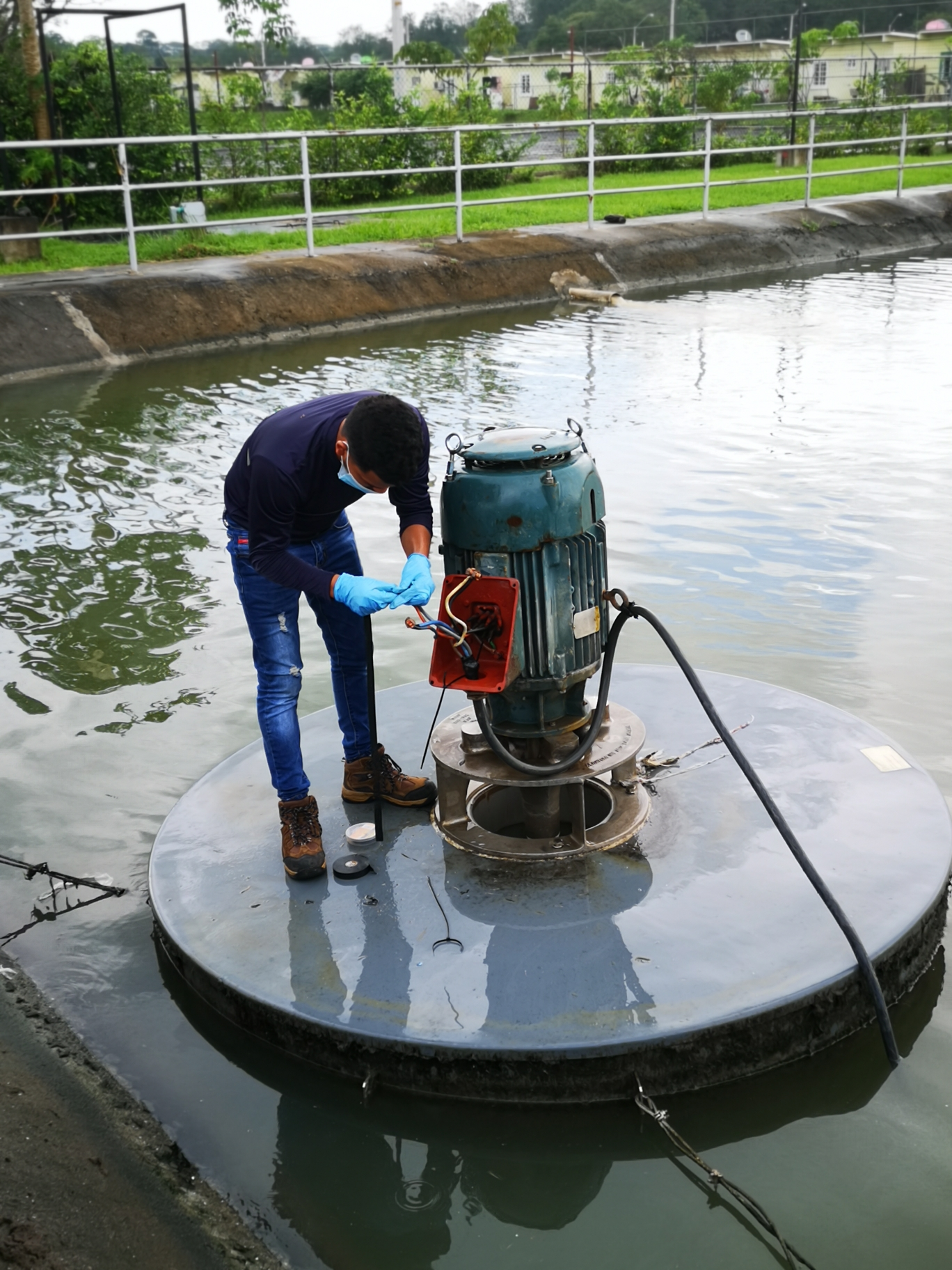 Mantenimiento de aireadores - PTAR Verde Mar, Puerto Caimito