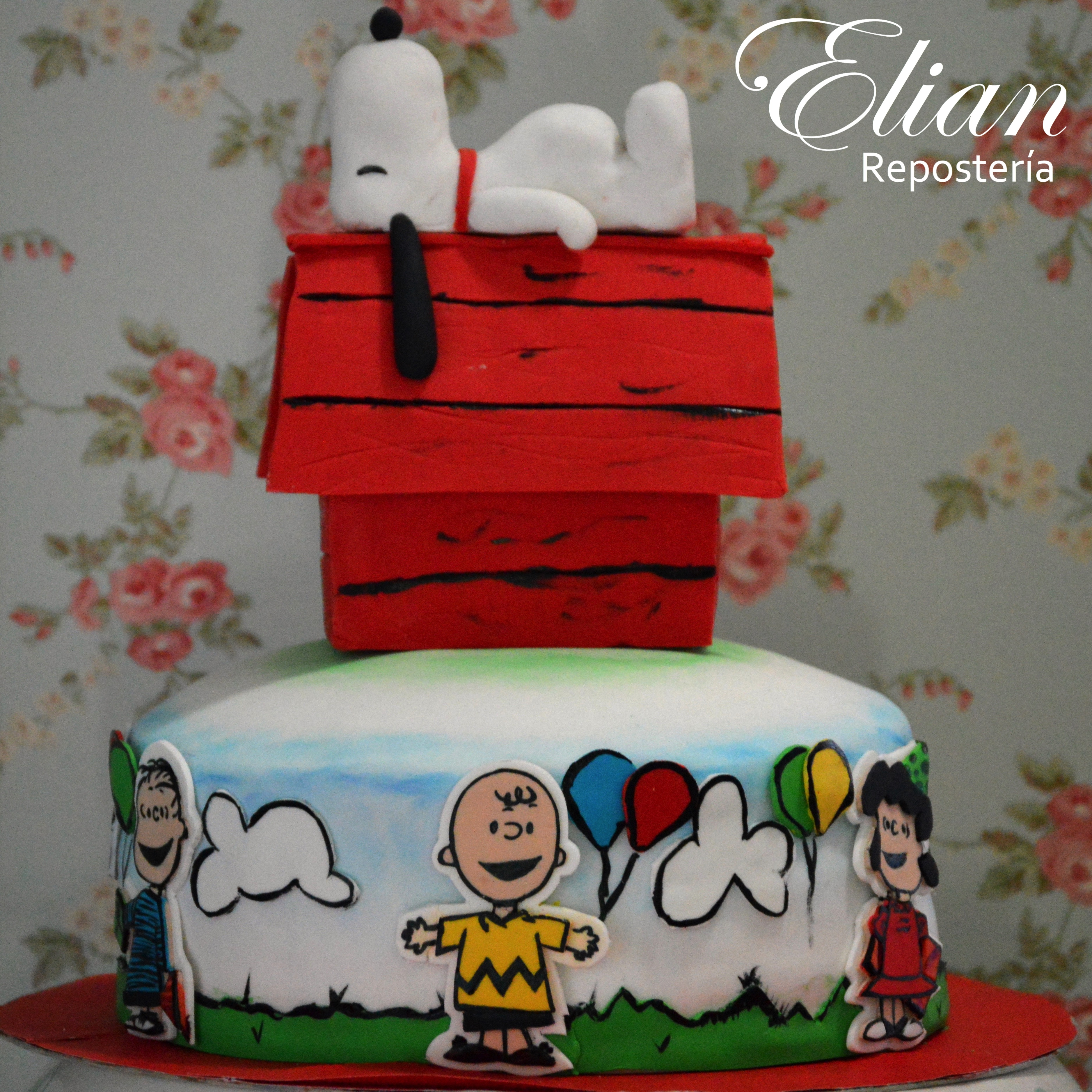 Peanuts Cake snoopy fondant