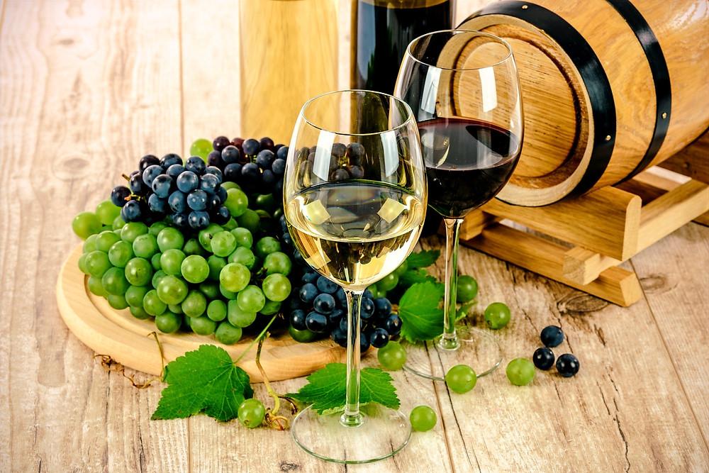 Weinprobe in Kapstadt. Von Weiß bis Rot, trocken, halbtrocken oder lieblich, in Kapstadt wirst du bestimmt noch Weinconnaisseur.