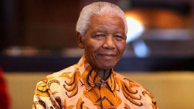Nelson Mandela, erster schwarzer Präsident Südafrikas und Friedensnobelpreisträger