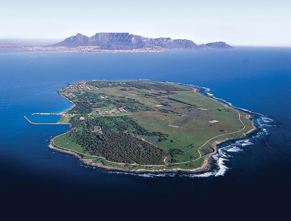 Die ehemalige Gefängnisinsel Robben Island ist heute eine der vielen Sehenswürdigkeiten in Kapstadt