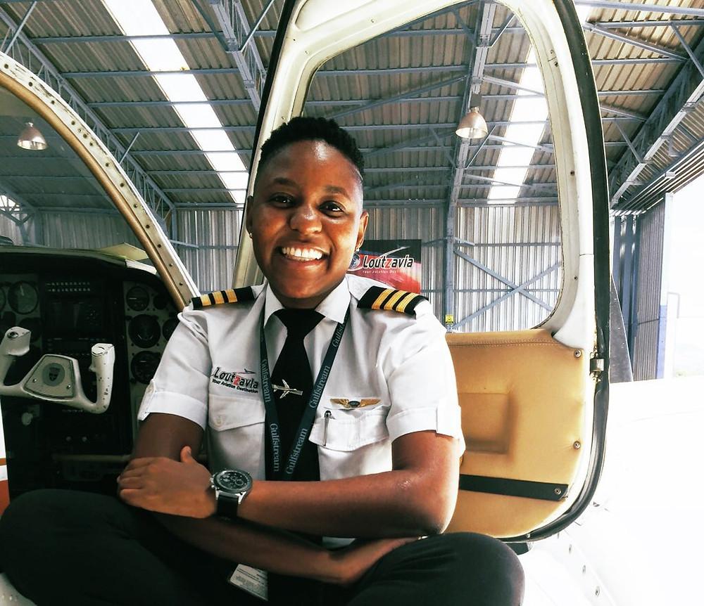 Boitmelo Katisi hat sich durchgesetzt und ist eine der wenigen Pilotinnen in Südafrika.