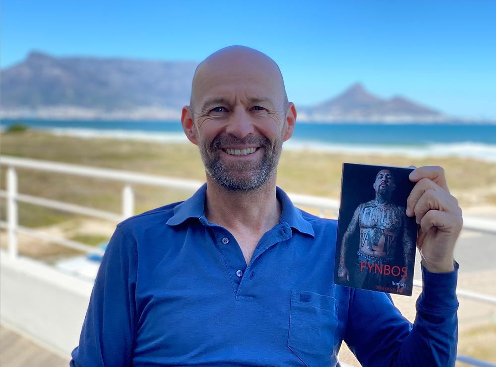 Autor Diethelm Schüssler mit seinem Roman 'Fynbos'