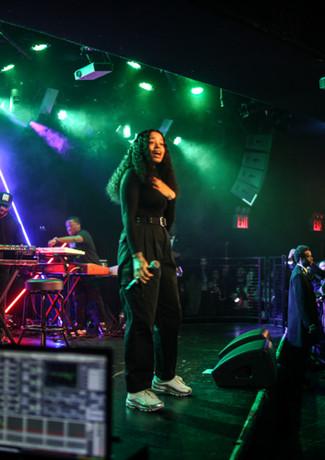 R&B singer Ella Mai  Free LIVE