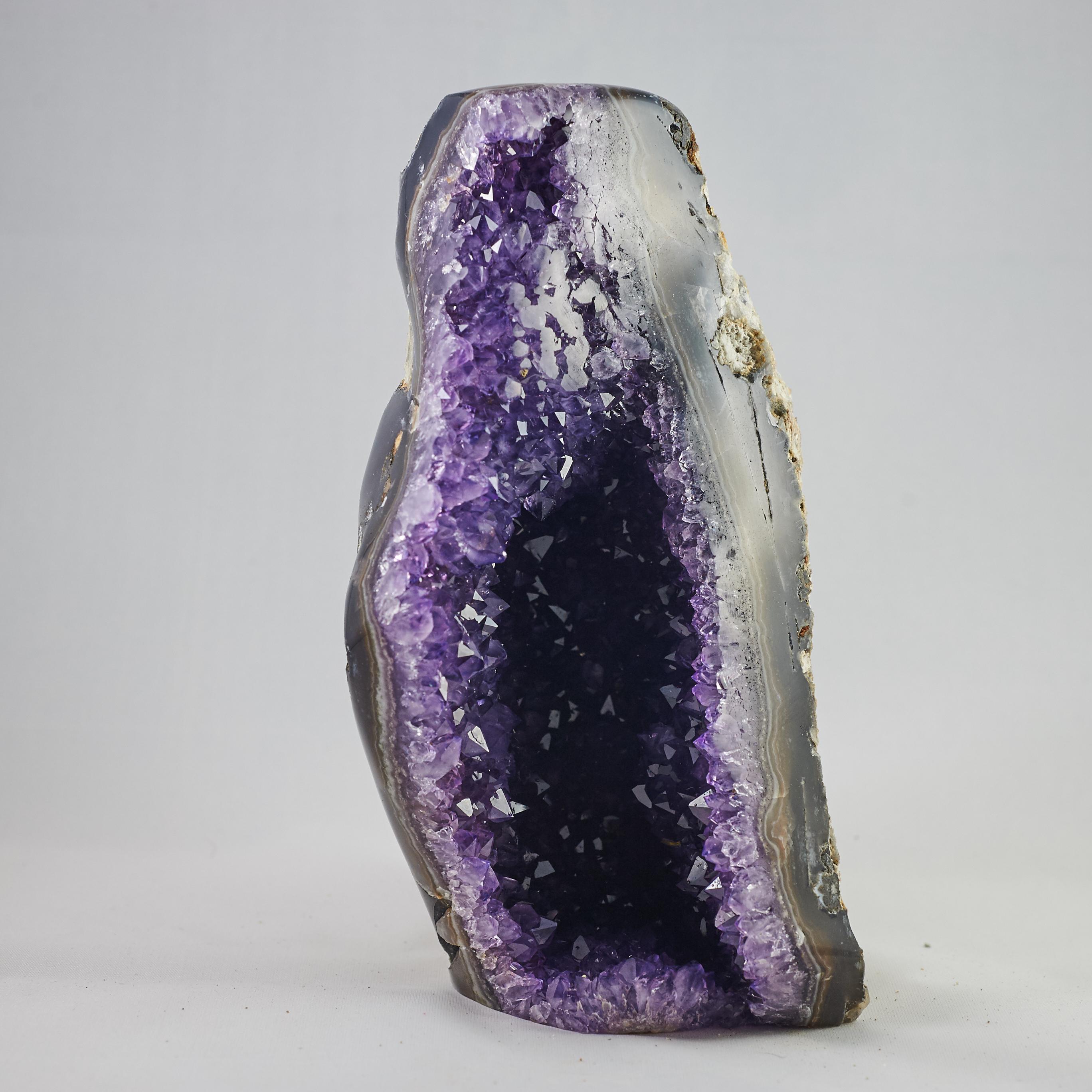 Amethyst Geode .jpg A00023