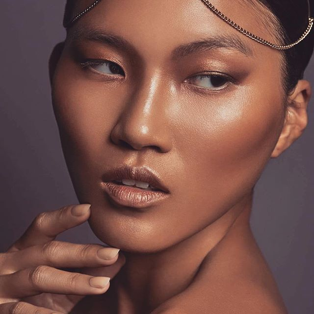 #martinstraussphotography #glow  #glowmakeup #golden #goldenmakeup #asian #makeupwork #makeupprofess
