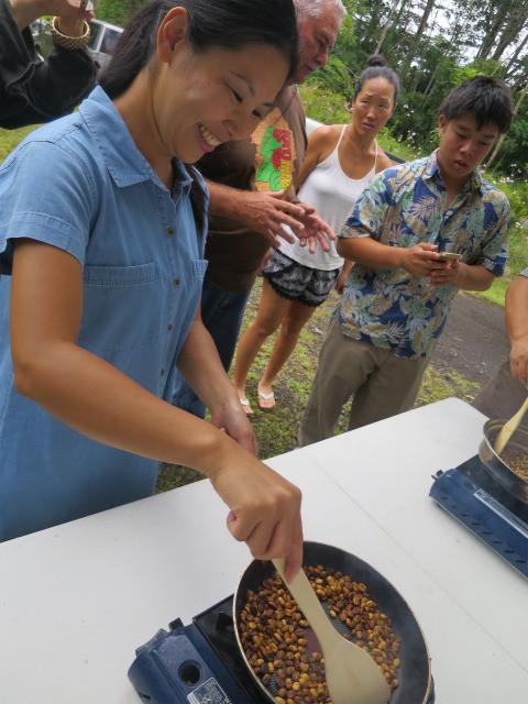 フライパンで生豆を焙煎