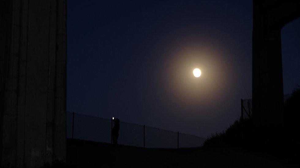 Moon light cell light .jpg