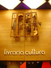 Cultura Bookstore - Art