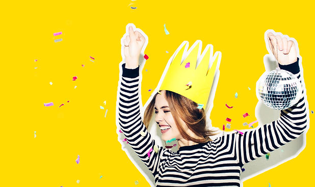louise-sommer-workshops-party-yellow-crown-celebration.jpg