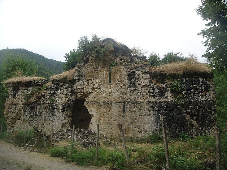 Тайна парных церквей в азербайджанской Албании