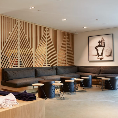 ALO YOGA, BEVERLY HILLS