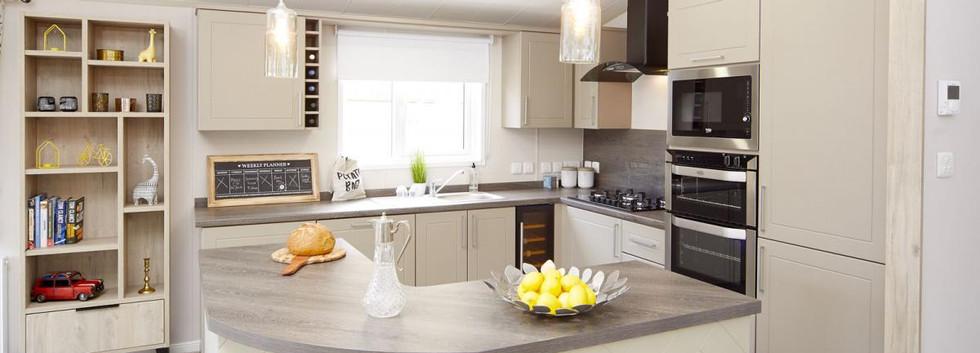 2020-atlas-lilac-lodge kitchen.jpg