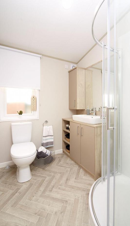 2020-atlas-lilac-lodge shower.jpg
