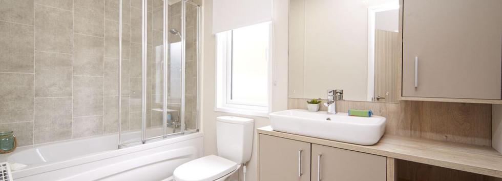 2020-atlas-lilac-lodge-bathroom 2.jpg