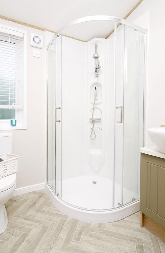2020-atlas-debonair-lodge-ensuite shower