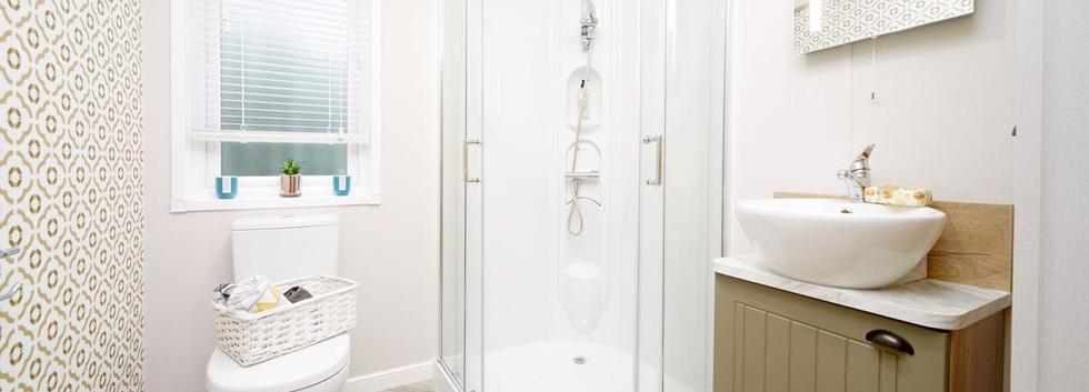 2020-atlas-debonair-lodge-ensuite shower