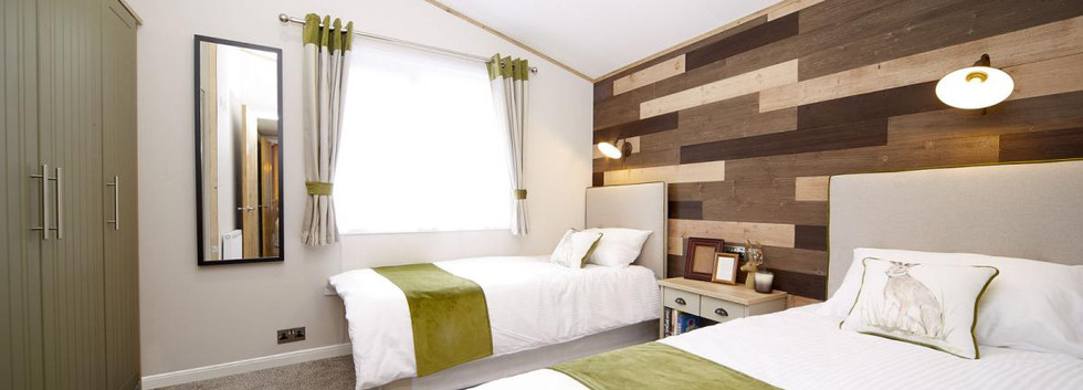 2021-Atlas-Debonair-Lodge-twin bedroom.j