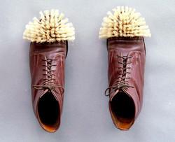 brush+boots