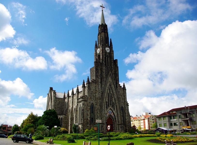 Catedral_Nossa_Senhora_de_Lourdes.jpg