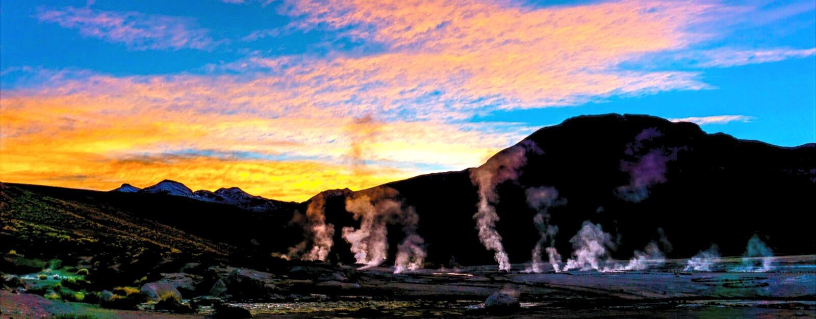 Sunrise-of-Wonders-at-El-Tatio-Geysers_e