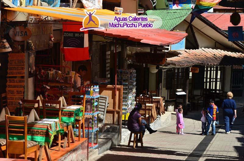 Aguas Calientes (MachuPicchu-Pueblo)
