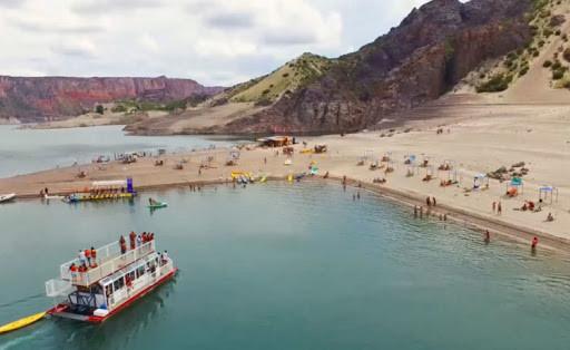 Playa y Catamaran Valle grande