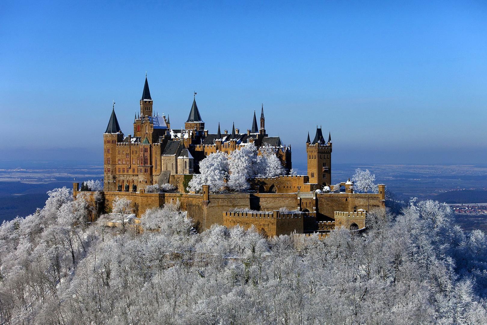 Hohenzollern_im_Winter