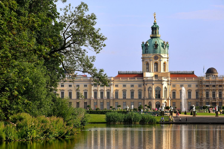 Schloss_Charlottenburg_016_Garten_See_c_Scholvien_RET