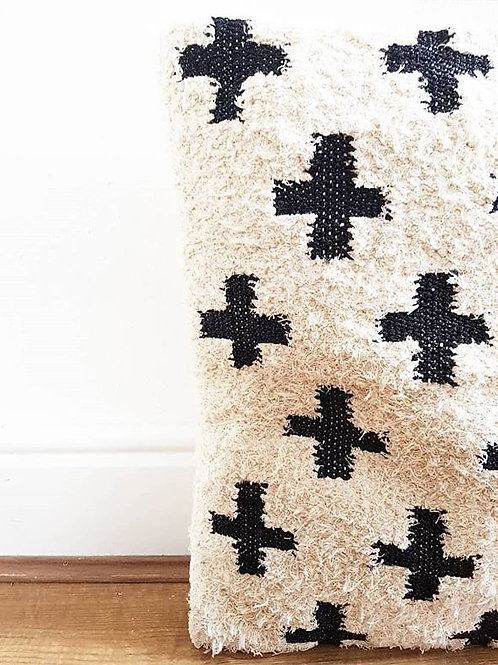 Crosses Kilim cushion cover