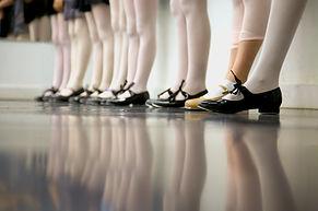 ダンスクラスをタップします