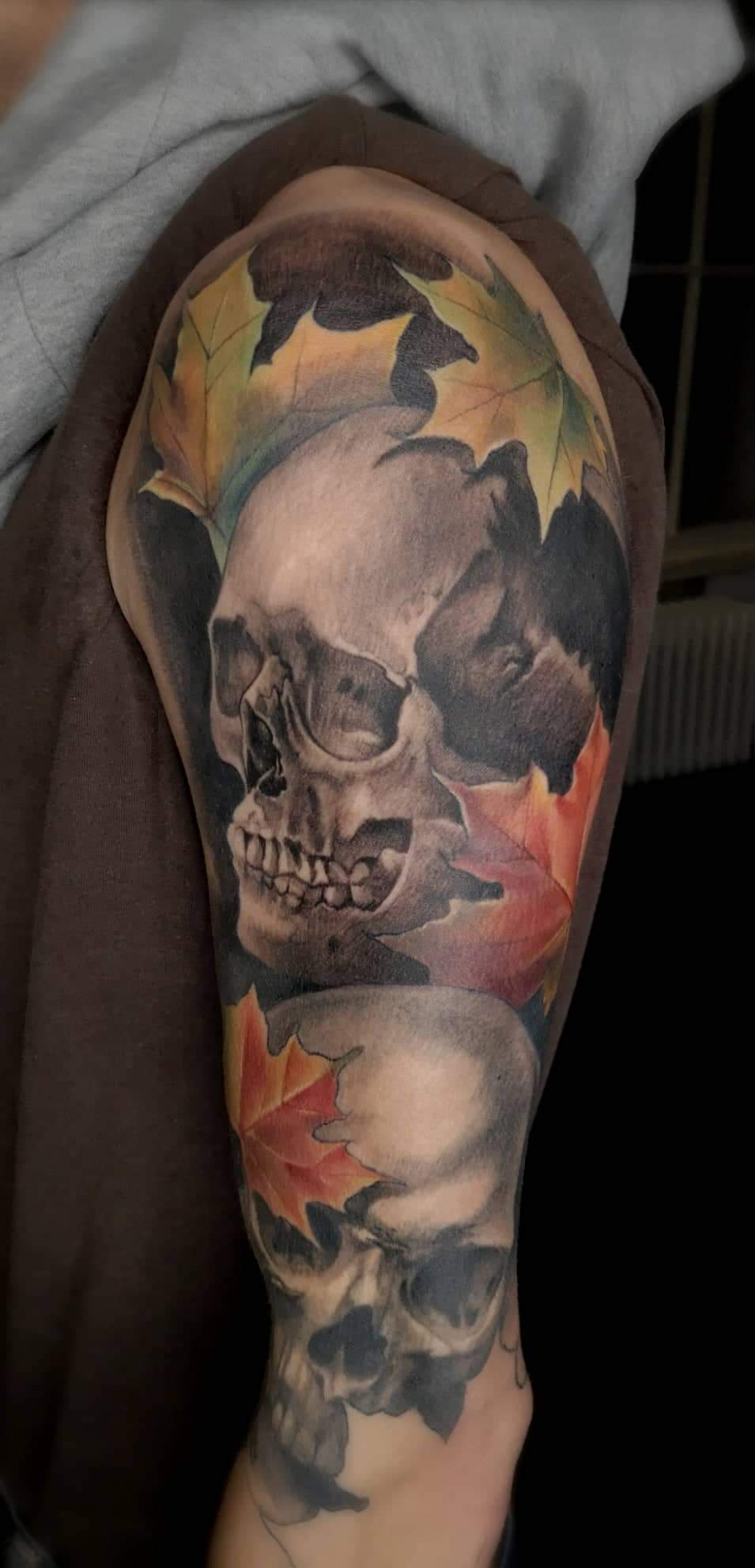 Skull & Leaves Full Sleeve